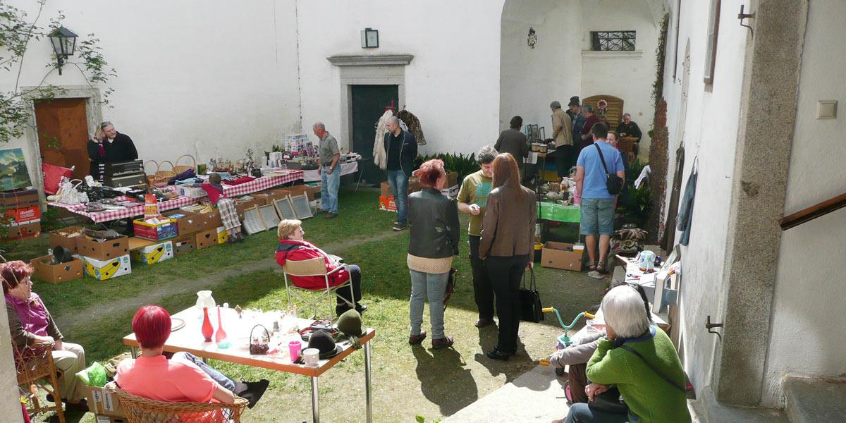 Burgflohmarkt
